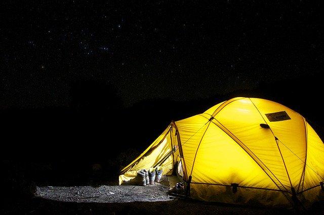 Dormire in una tenda da trekking