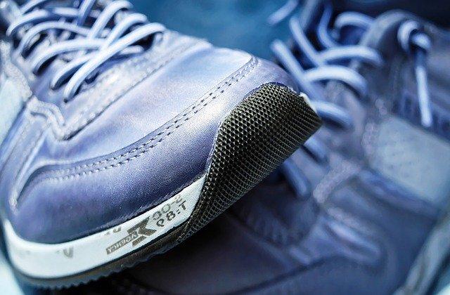 Scarpe non adatte, errore comune nella corsa