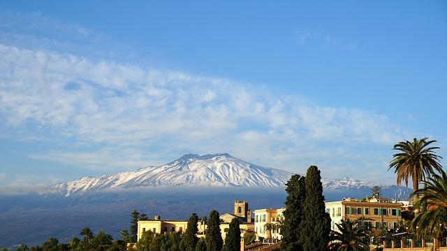 sciare sull'etna in Sicilia - Vita Outdoor