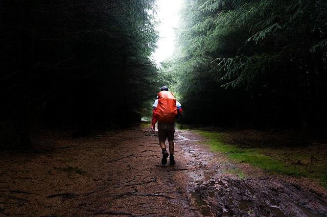 abbigliamento trekking antipioggia
