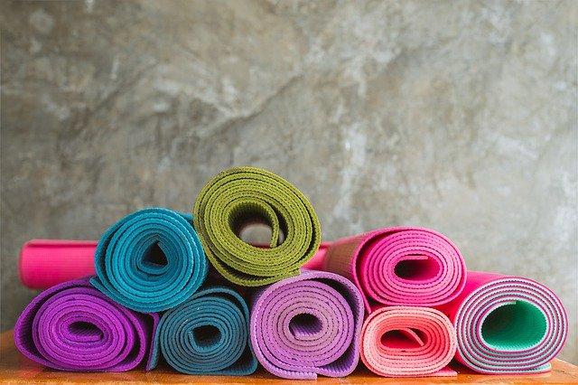 Come scegliere il miglior tappetino da yoga? Una guida completa per sapere quale comprare su Amazon