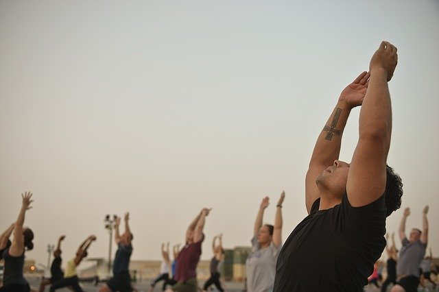 miglior abbigliamento yoga uomo