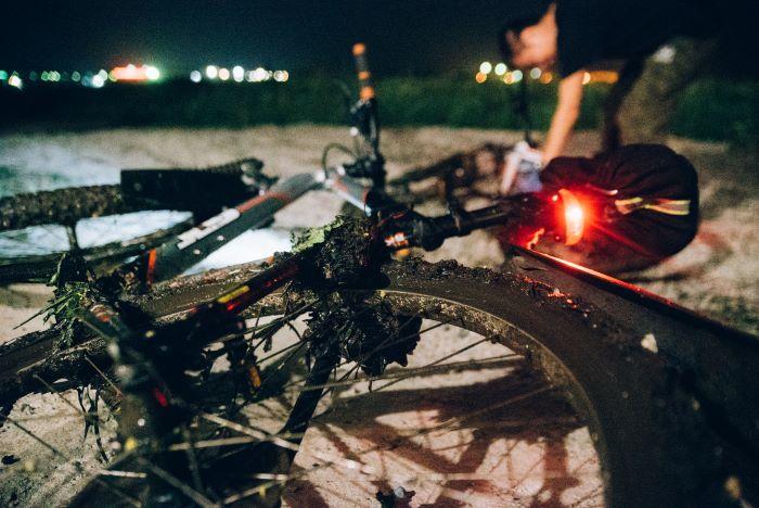 migliori luci per mountain bike, come scegliere?