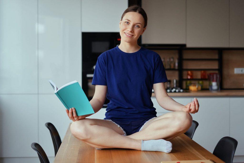 Libro yoga consigliato: clicca sullimmagine per scoprire qualis sono i libri di yoga consigliati