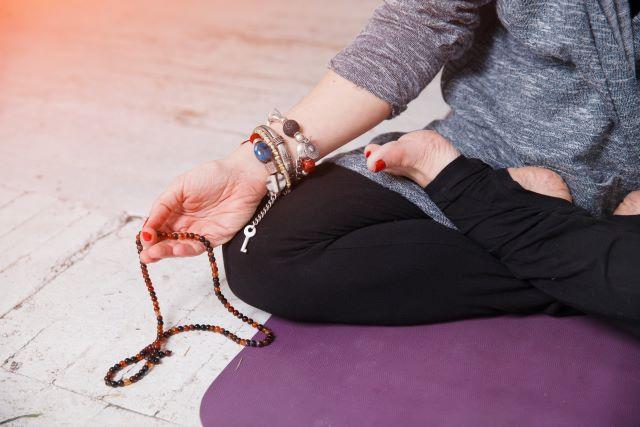 Consigli su come vestirsi per fare yoga