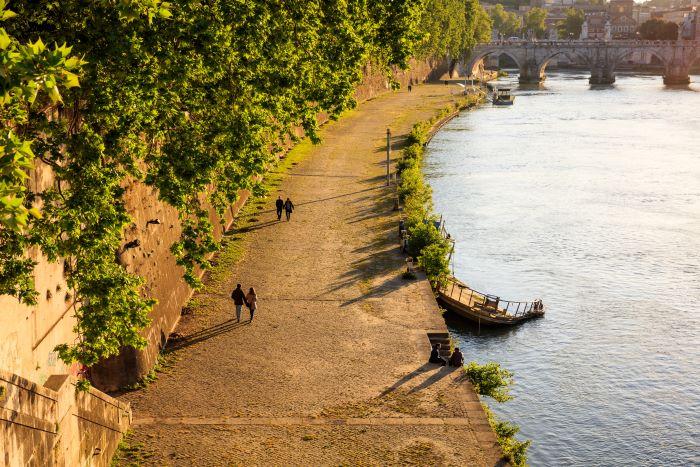 escursioni e trekking vicino Roma, una vista del tevere