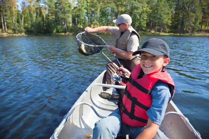 canoa in alluminio da pesca